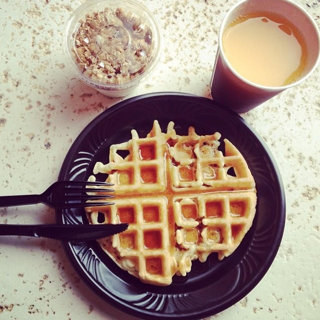 Womoms_breakfast