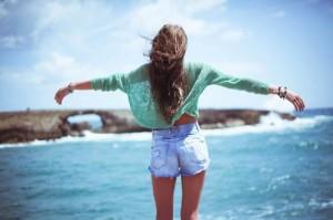 fashion-girl-sea-sun-Favim_com-735615
