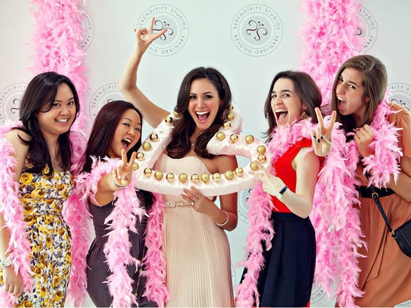 bride-posing-with-friends