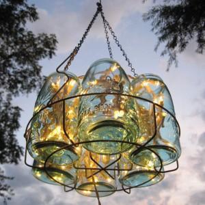 barattoli-di-vetro-per-creare-un-lampadario