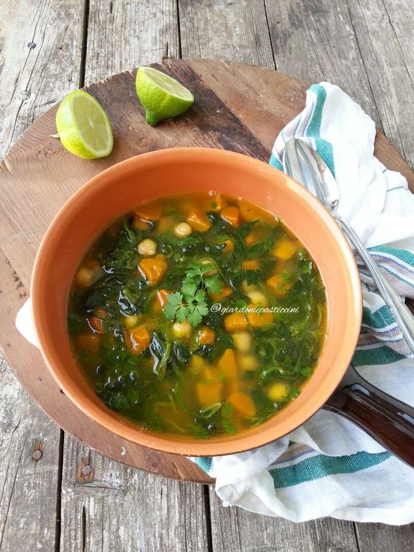 Zuppa di zucca e lenticchie rosse al lime