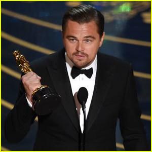 """DiCaprio: """"Questo premio non era scontato, così come il nostro Pianeta non è scontato, va rispettato. Il cambiamento climatico è reale e sta avvenendo in questo momento. Dobbiamo lavorare adesso e smettere di rinviare le decisioni""""."""