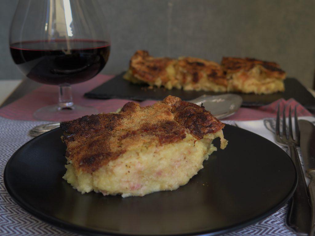 Sformato di patate, formaggi e prosciutto