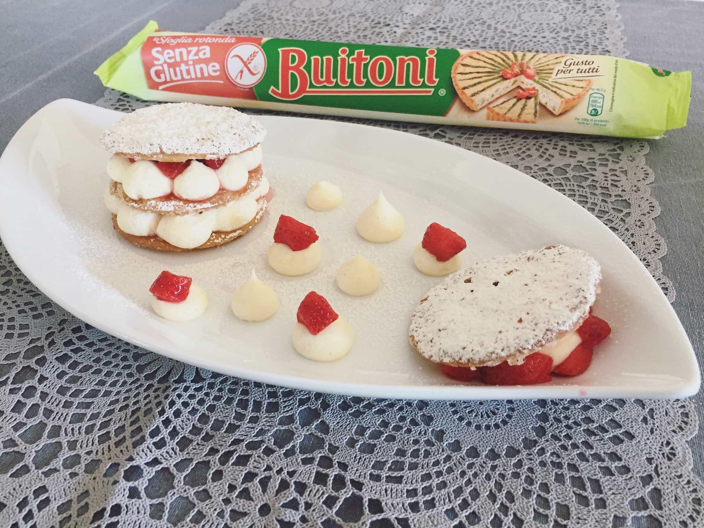 Piccole millefoglie con crema chantilly e fragole senza glutine