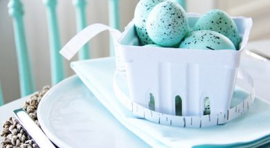Robins-Egg-Blue-Easter-Table-Setting-4