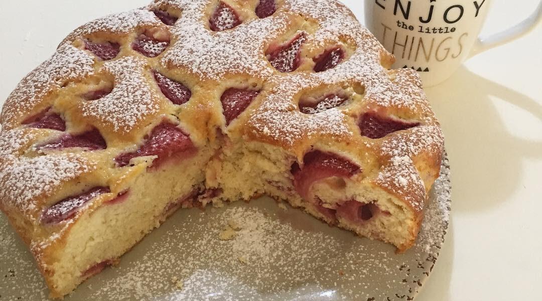 Torta morbida alle fragole con ricotta