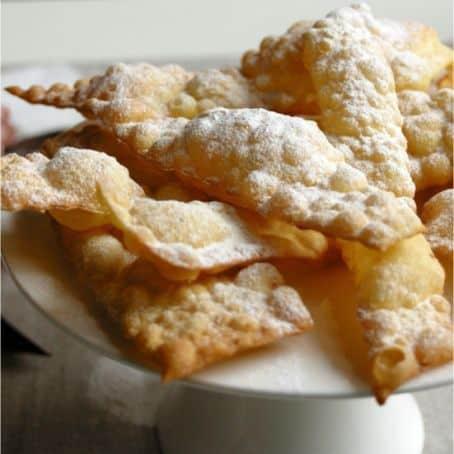 Bugie, chiacchiere, cenci: i dolci di carnevale