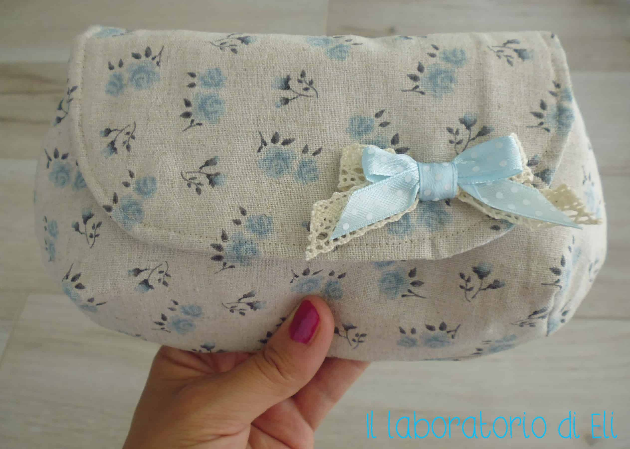 Una romantica Mini Curvy Clutch