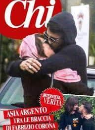 Fabrizio Corona e Asia Argento: bacio appassionato