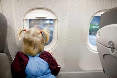 viaggiare-in-aereo-con-un-bambino