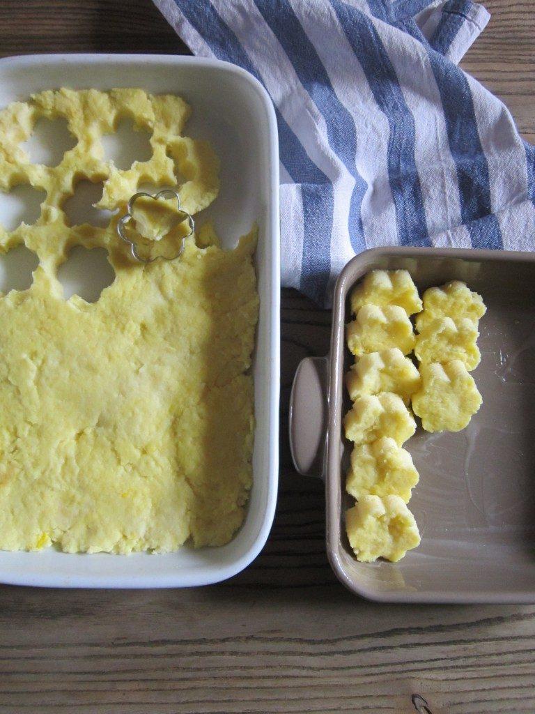 Fiori di gnocchi di semolino gratinati