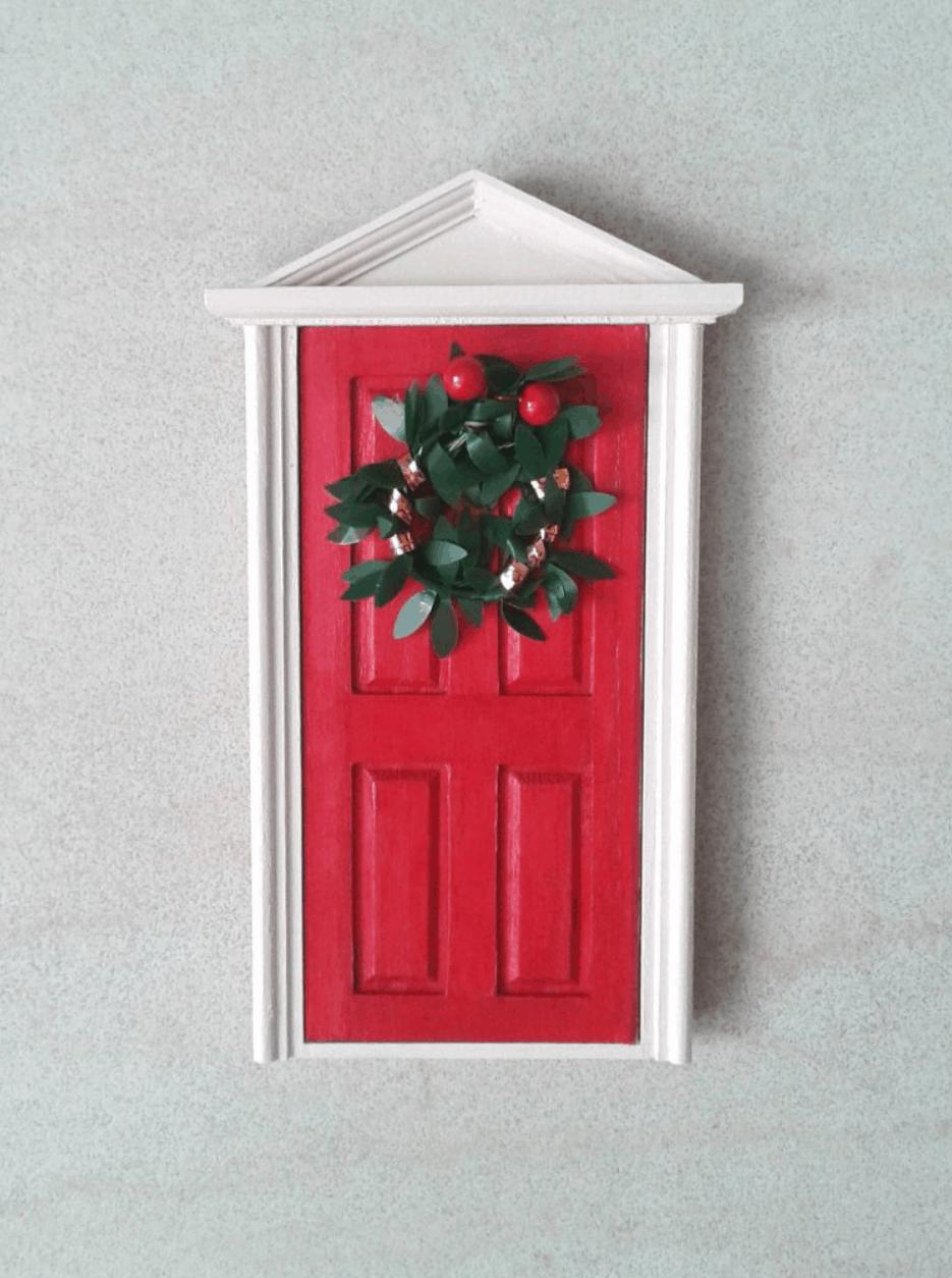 La porta magica dell'elfo di Babbo Natale