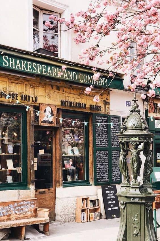 Sylvia Beach, la fondatrice della famosa libreria Shakespeare and Company