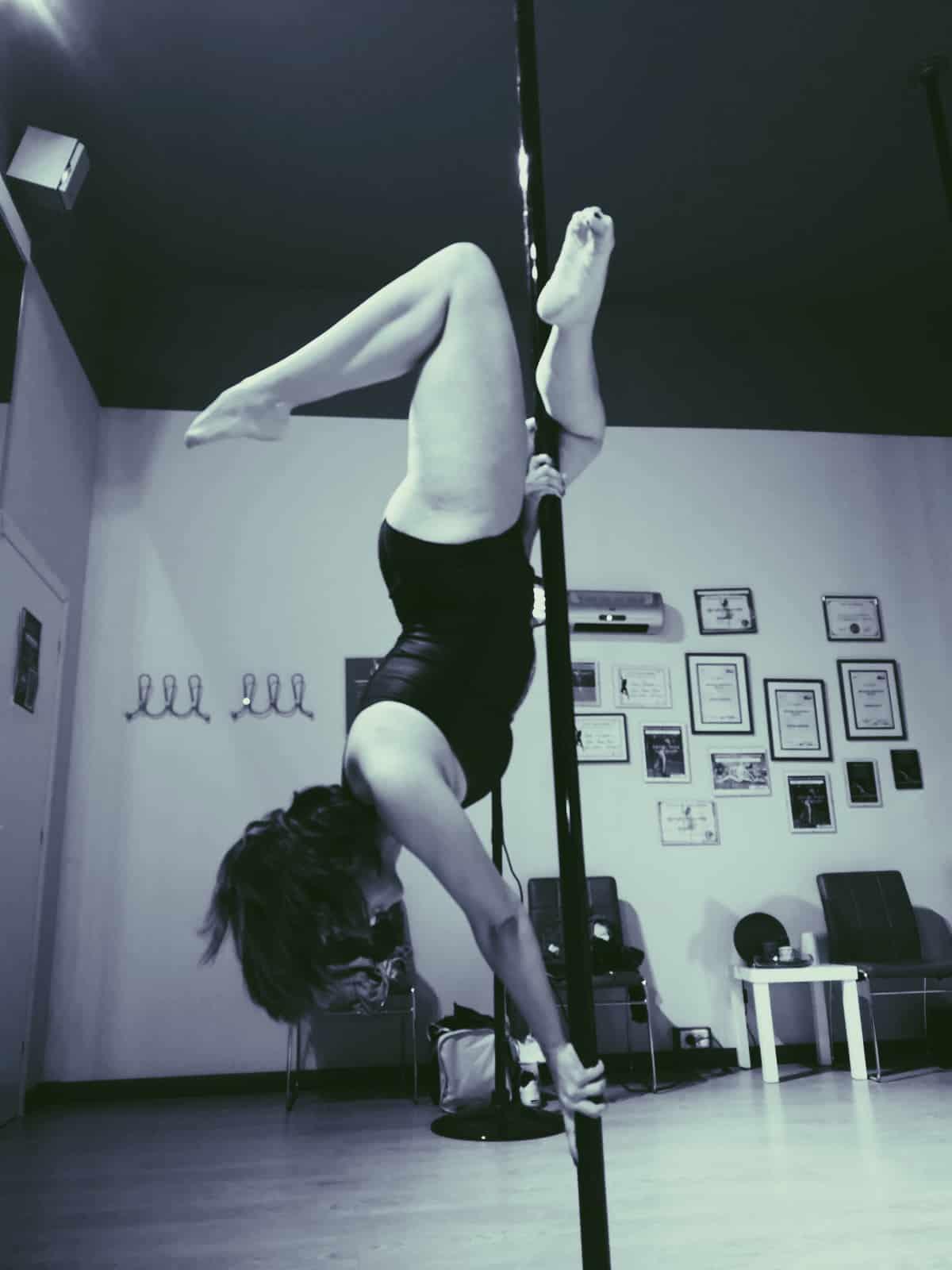 Pole Dance, i suoi benefici: Elena Camani