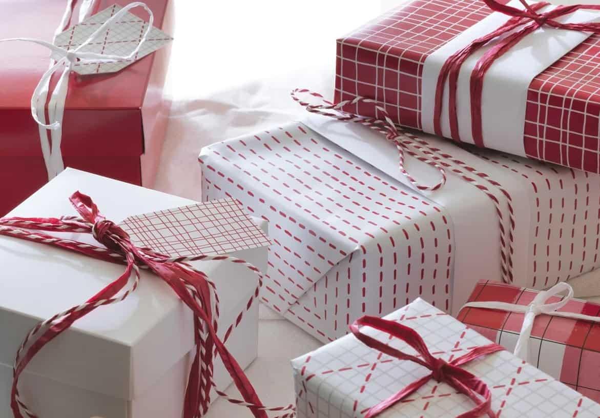Il pacchetto regalo di Natale con gli accessori Ikea