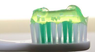 toothbrush-2789792_960_720