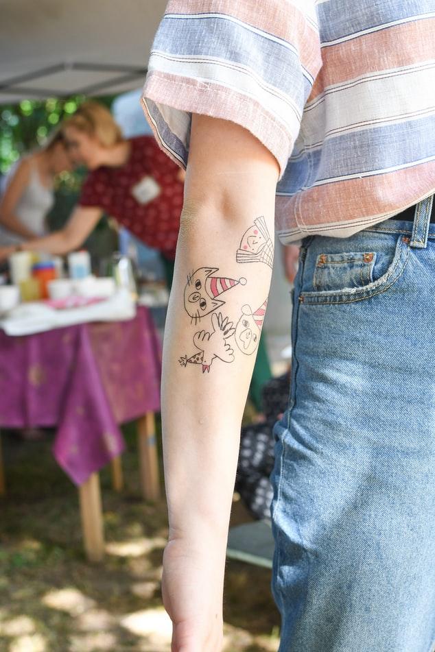 tatuaggio durante l'estate
