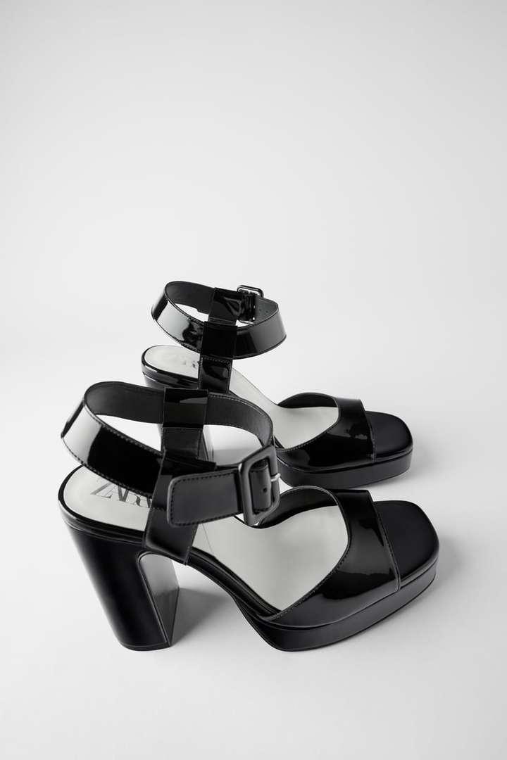 sandali con plateu