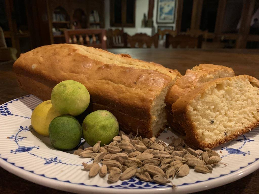 Plumcake al Cardamomo e Lime