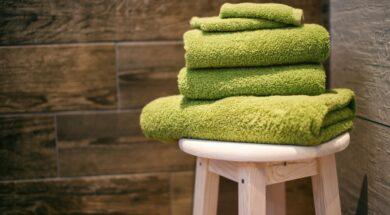 mettere l'asciugamano