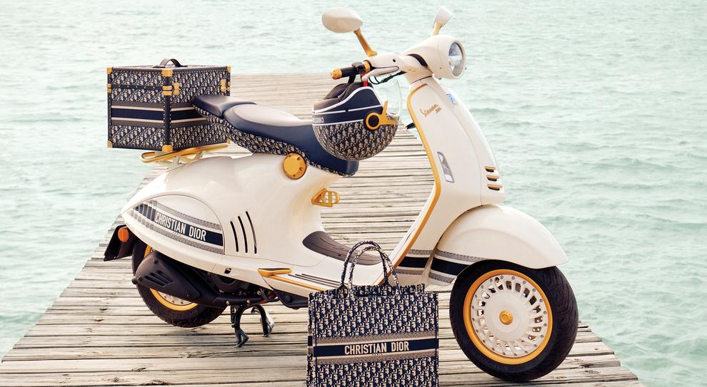 Vespa e Dior festeggiano i 75 anni con un nuovo scooter