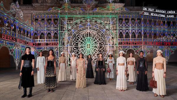 Dior, la sfilata a Lecce tra l'arte barocca