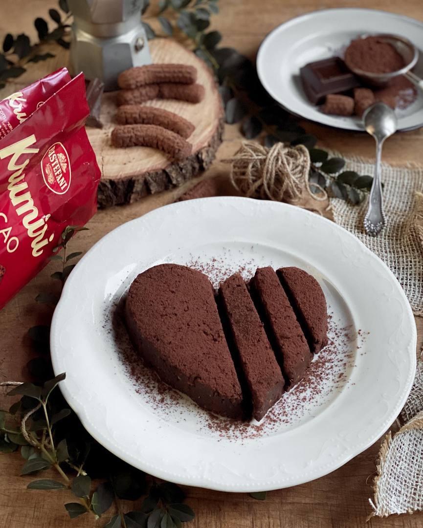 Cuore al cioccolato e nocciole