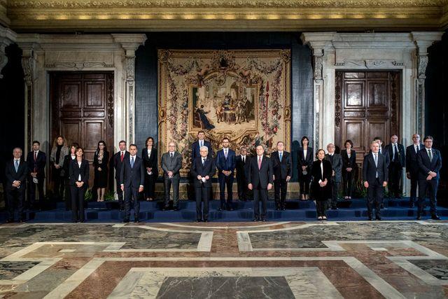 8 ministre
