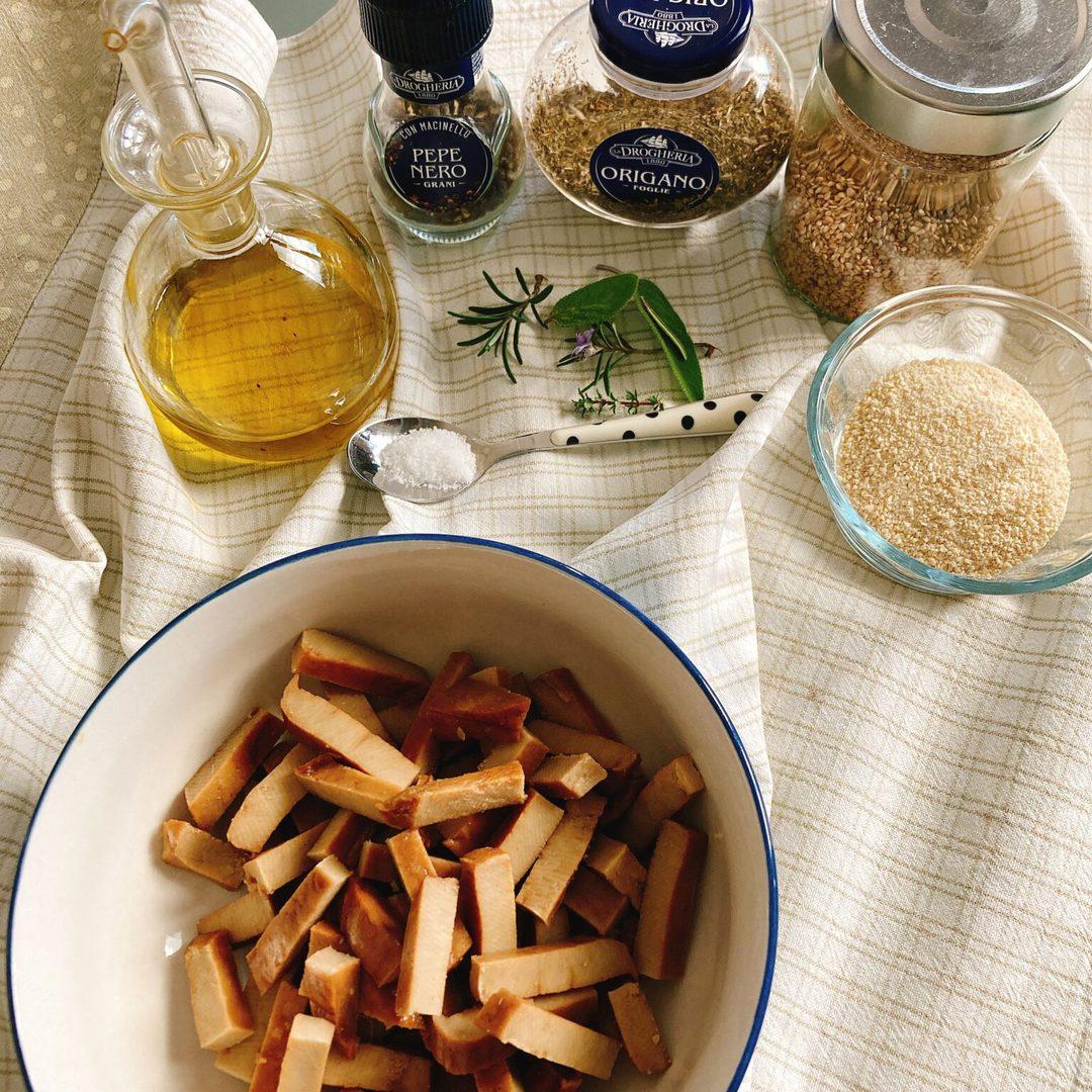 Stick di Seitan con semi di sesamo ed erbe aromatiche