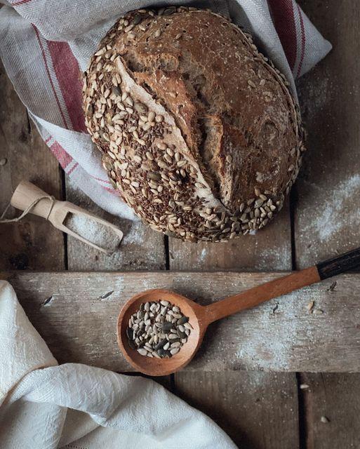 Pane rustico ai semi e farine multicereali