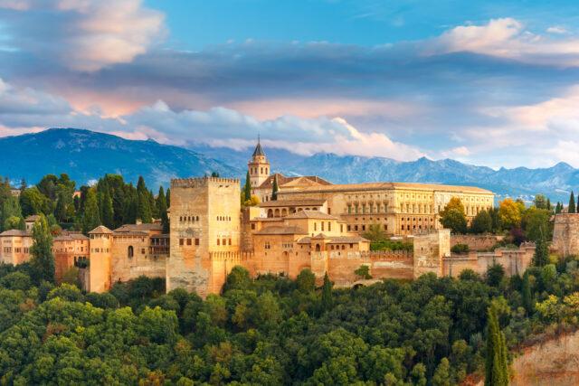 alhambra-palace castelli e palazzi più belli d'europa