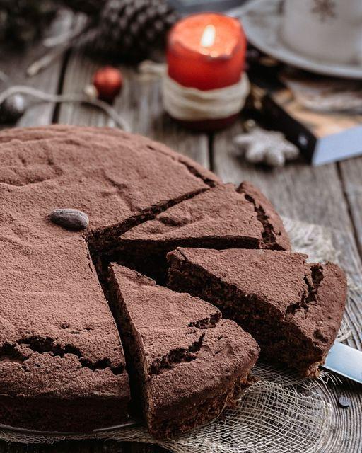 Torta al cioccolato fondente e farina di castagne